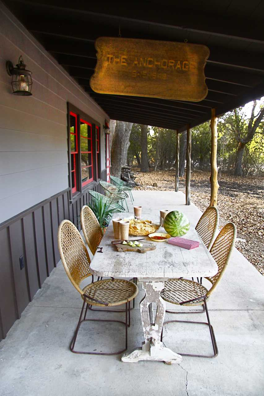 Fire up the grill or the New Braunfels smoker, and enjoy a feast in a fresh-air setting on the shaded porch!