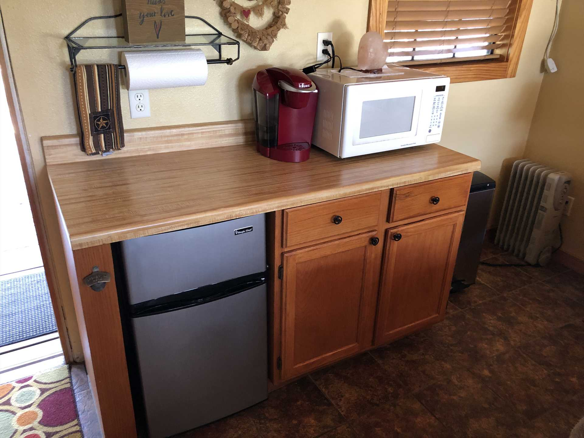 A microwave, coffee maker, and mini fridge can be found in the cozy kitchenette. Keep in mind Bandera, Boerne, and Pipe Creek are all close by!