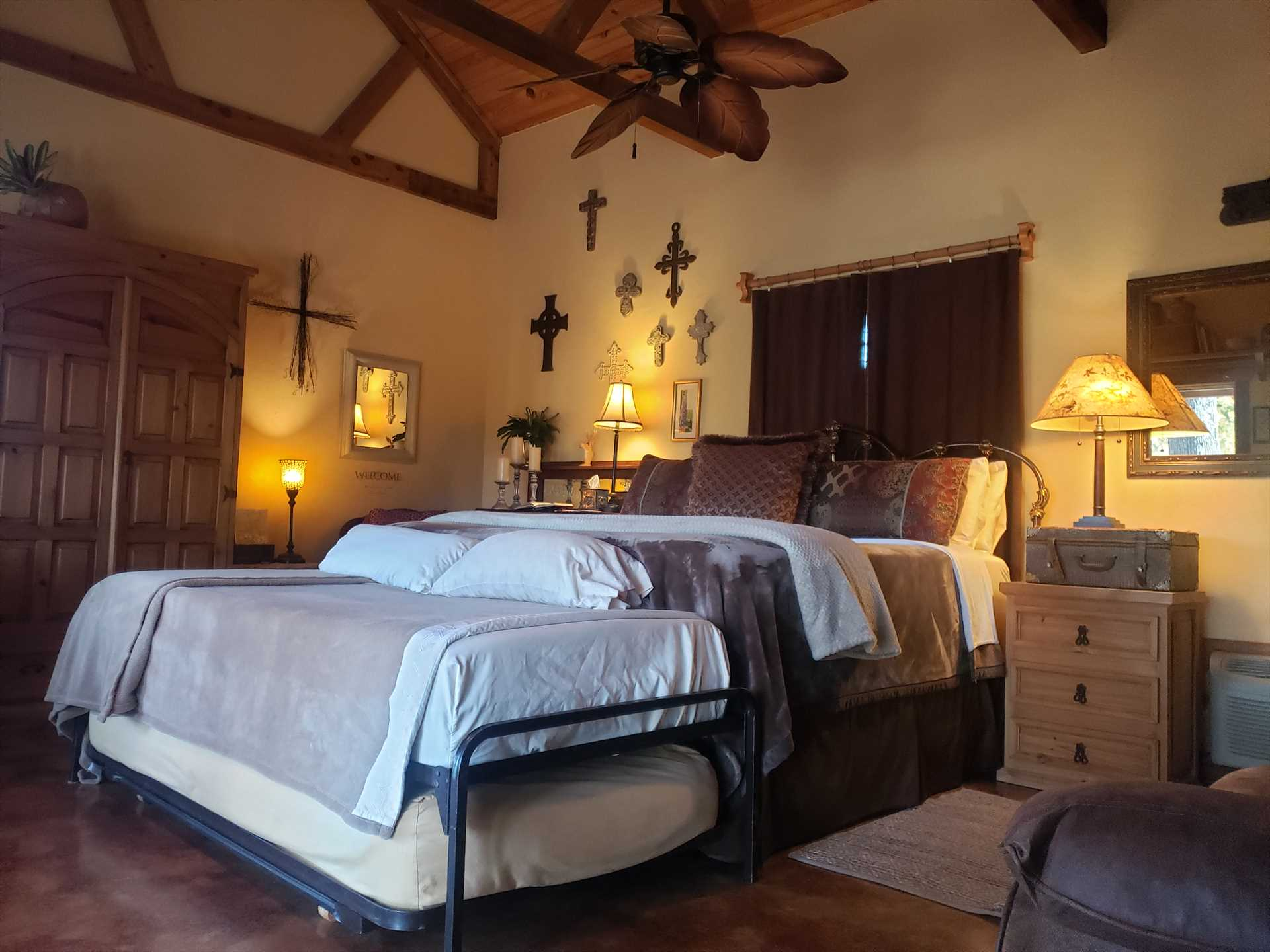 Up to four of your folks will rest in pampered comfort on the big king bed, and there's also a trundle bed that can serve as either another king or two twins.
