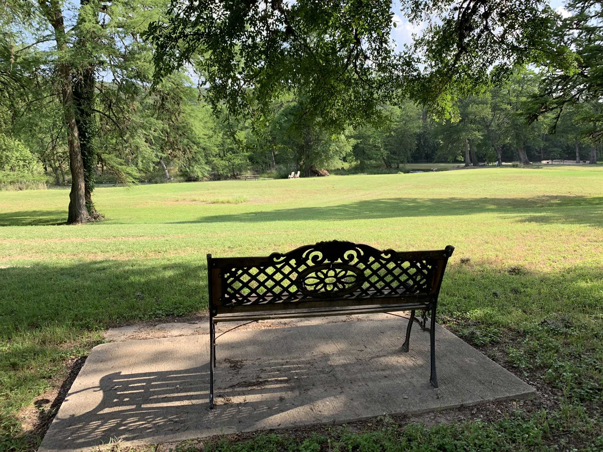 Quiet and shaded benches and chairs provide a soothing setting for those intimate moments.