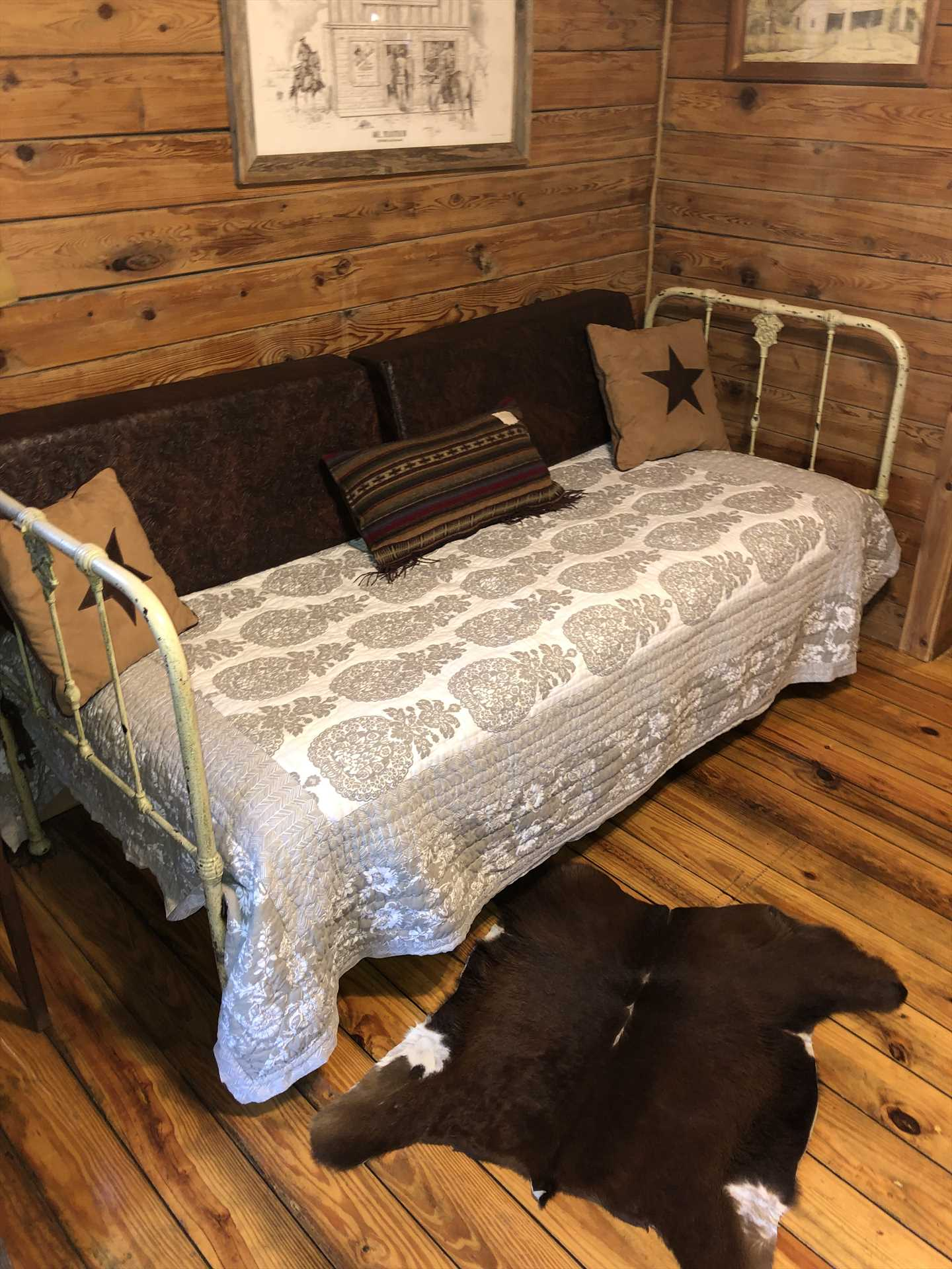 This sweet little day bed rounds out the sleeping accommodations for up to three people-and all bed and bath linens are included!
