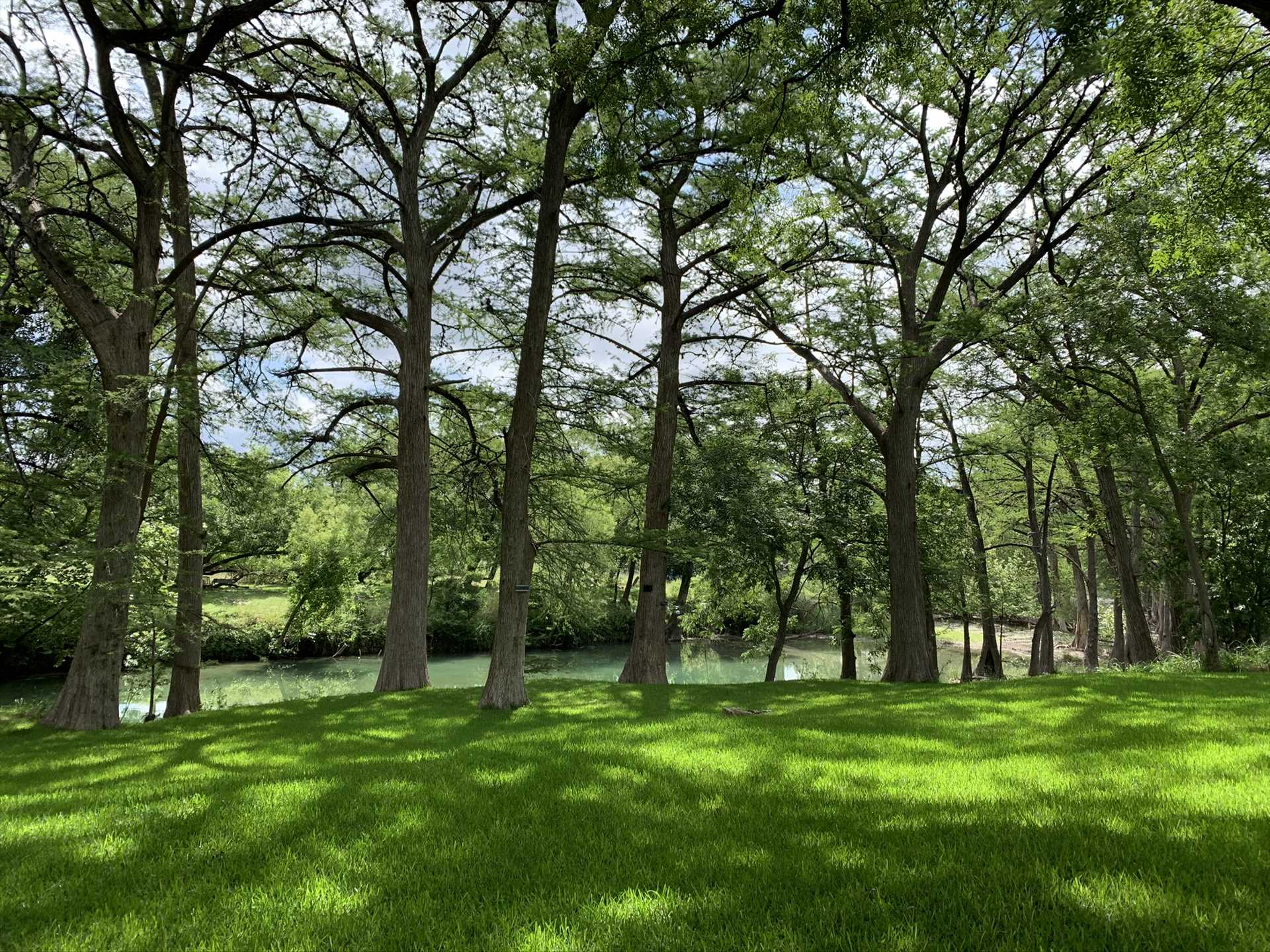 The riverside setting is a paradise for nature lovers-and, what's more, the Hill Country State Natural Area is close by, too!