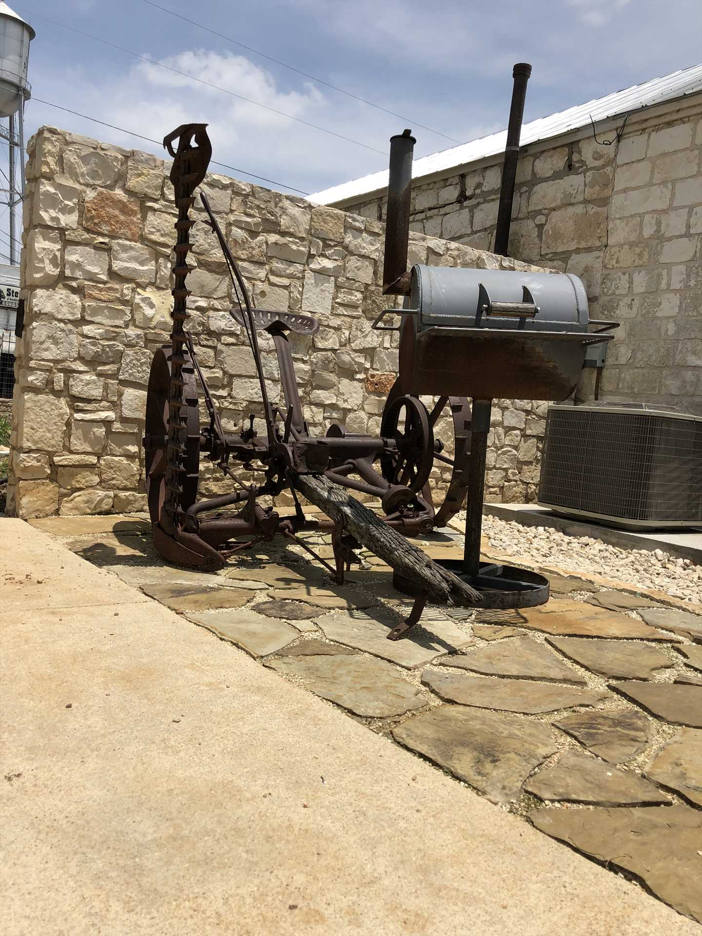 For those looking to whip up a feast at home, there's a charcoal grill on the grounds for you.