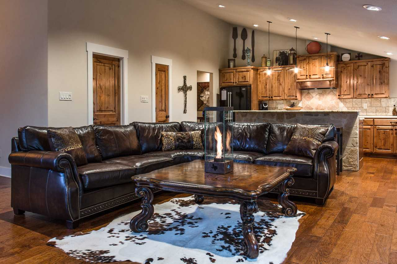 You'll have 2,000 square feet of space in which to relax! The living area and bedrooms are all outfitted with satellite TV and Wifi, as well.