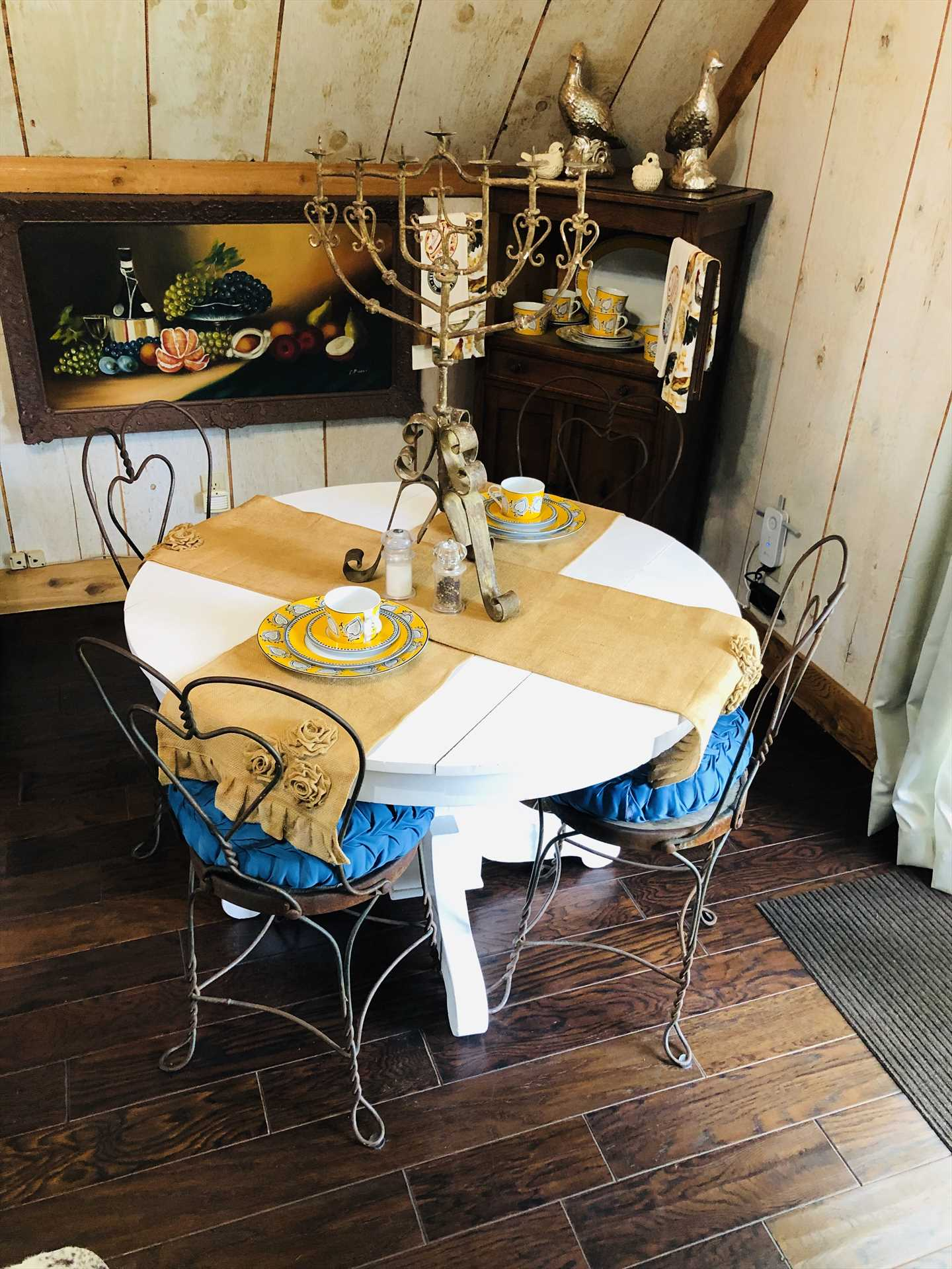 Wire-framed ice cream parlor chairs add a fun and functional touch to your dining area!