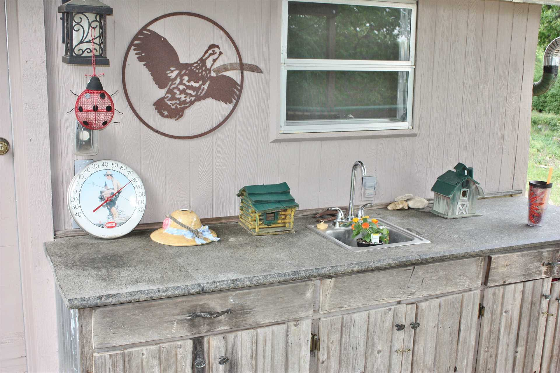 Check out the outside bar and serving area! It's all part of the spirit of convenience and fun at Feather Trees.