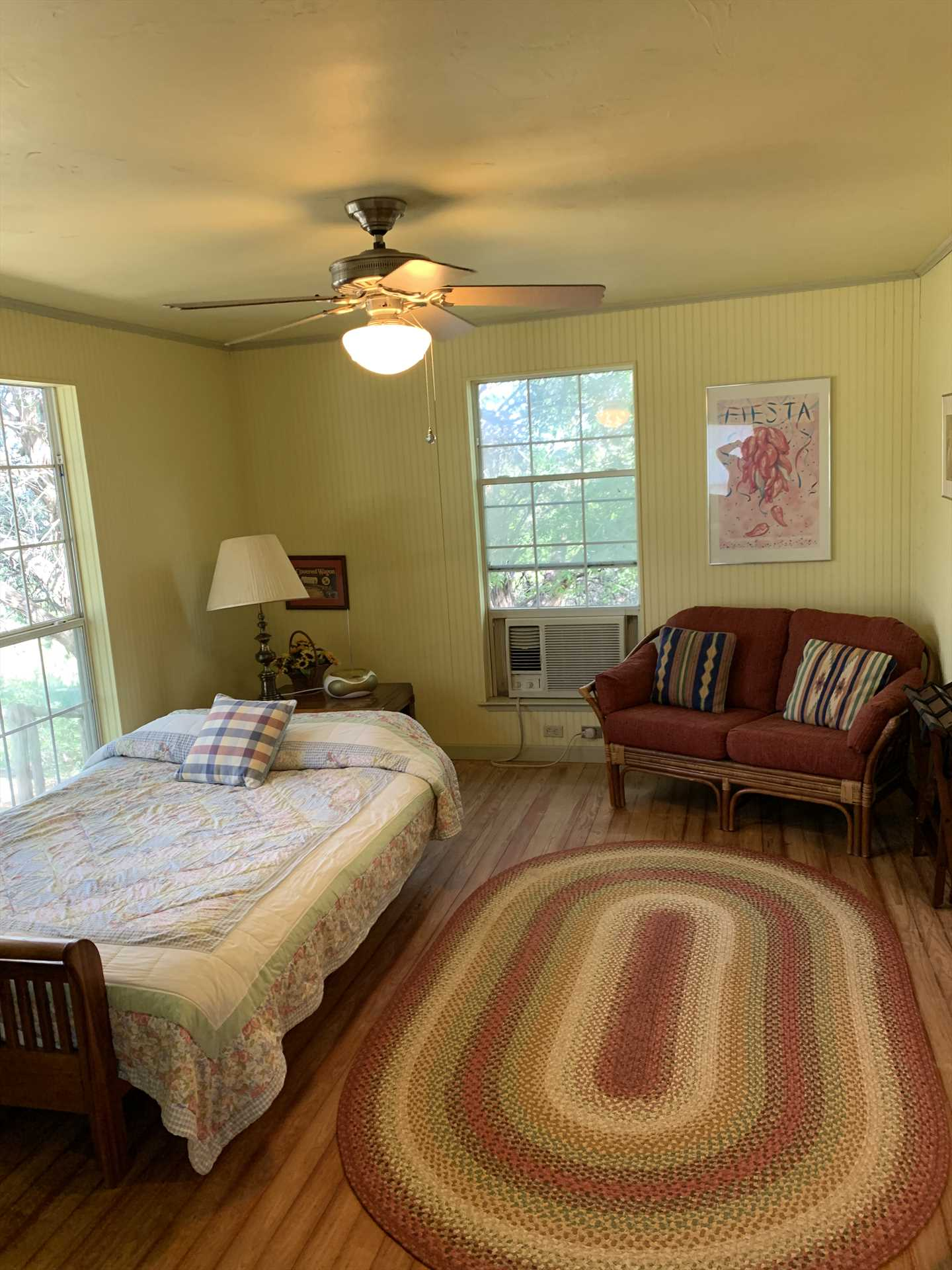 Ceiling fans, AC and heating units help keep the interior space just the way you like it!