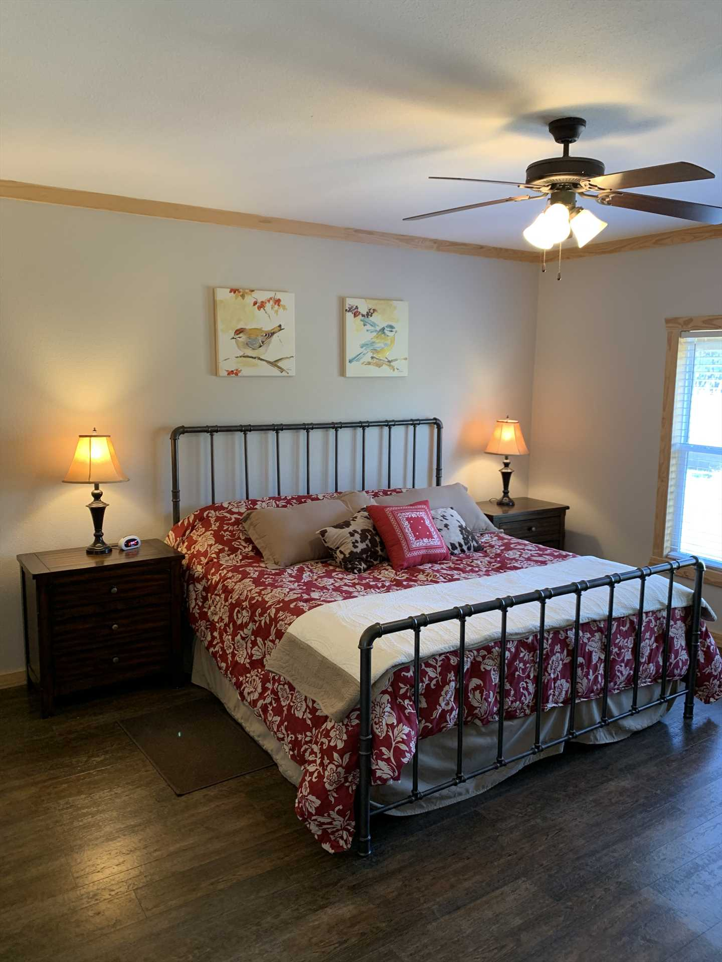 A big king-sized bed is the highlight of the master bedroom, and it has a satellite TV, too. All the beds in the Hideaway are draped in clean, complimentary linens.