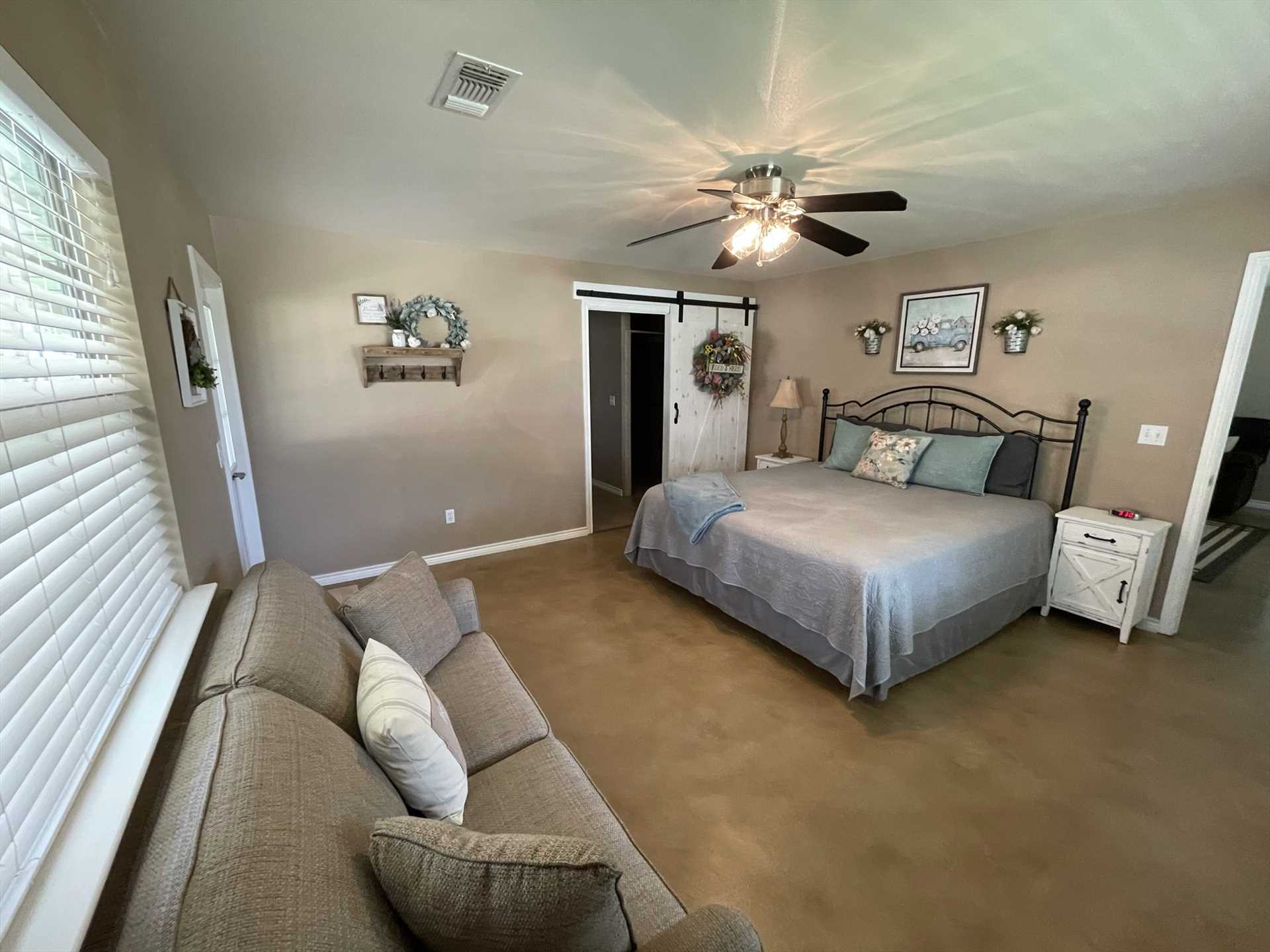 Three comfy bedrooms come equipped with two king beds, a queen, and a full-sized bed...awesome sleeping space for the whole family!