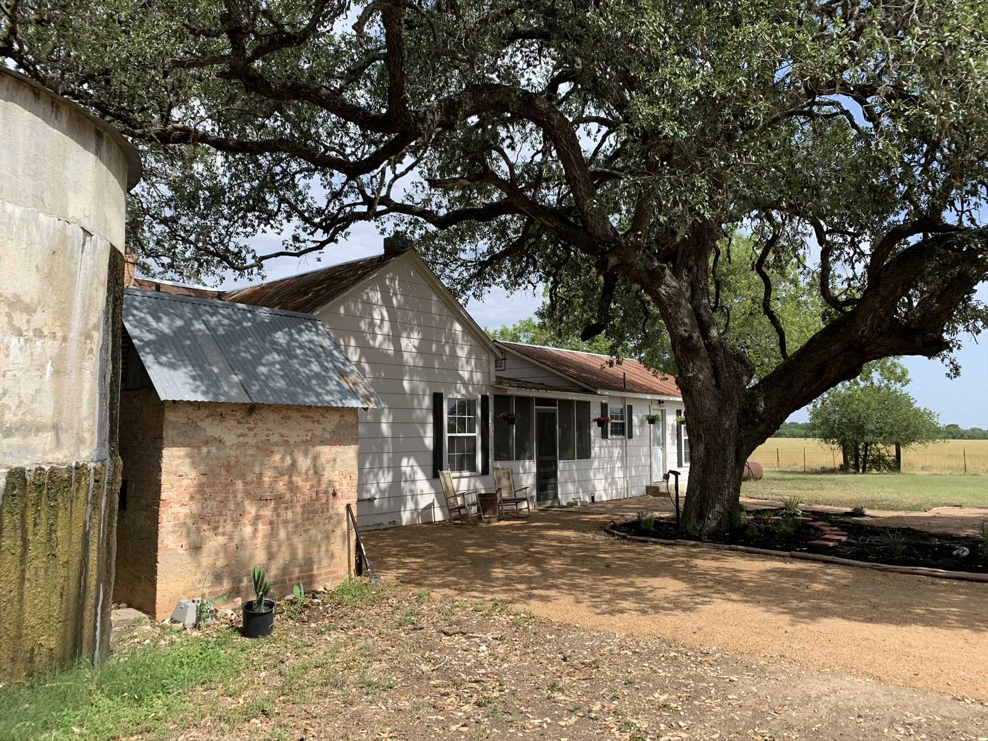 Generations of Texans have enjoyed the shady peace of the Retreat. It's your turn!