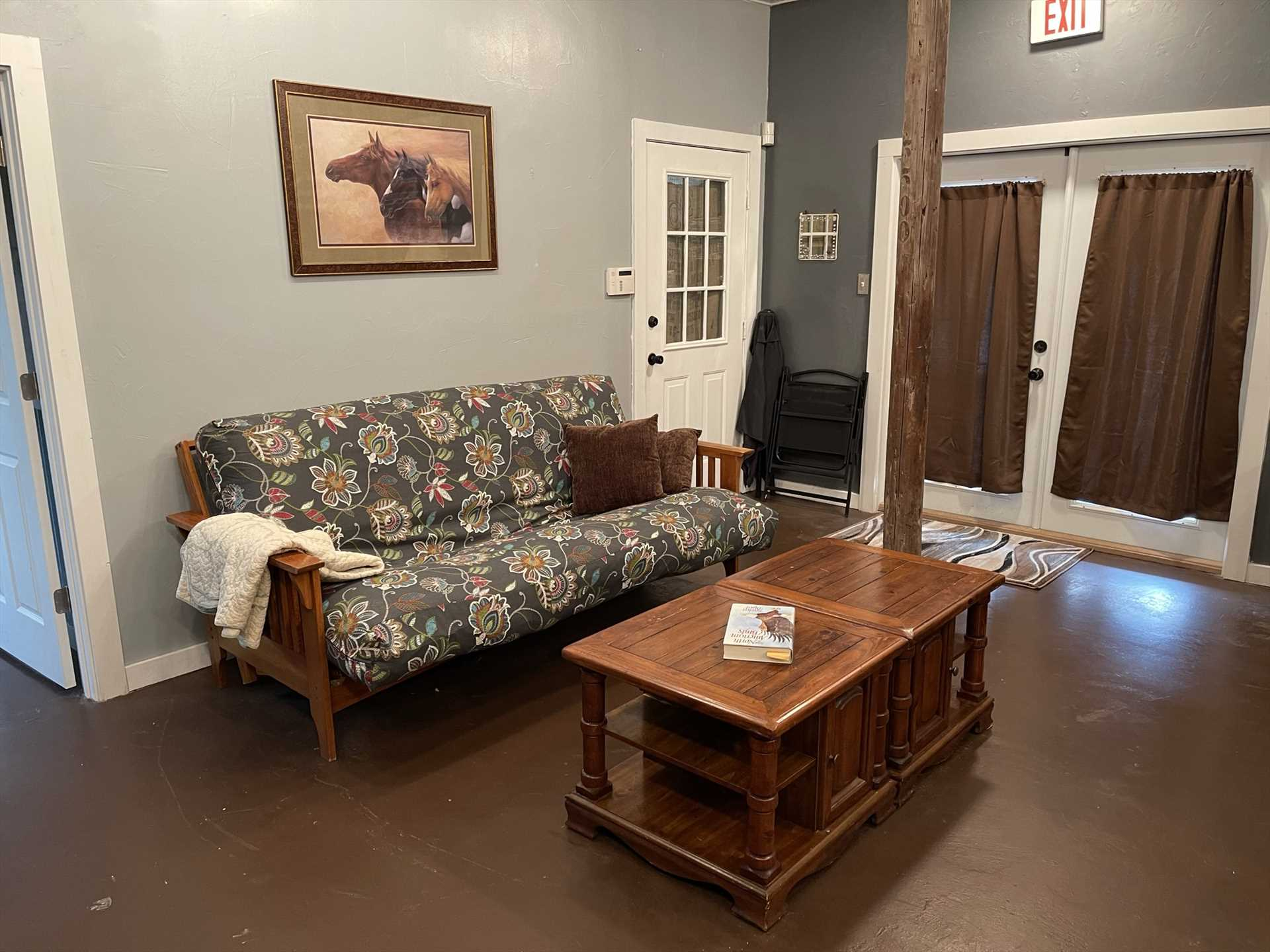 The Retreat features an airy and roomy open floor plan, and it's kept just the way you like it with efficient AC and heating units. Amazon Fire TV and Wifi are also provided!