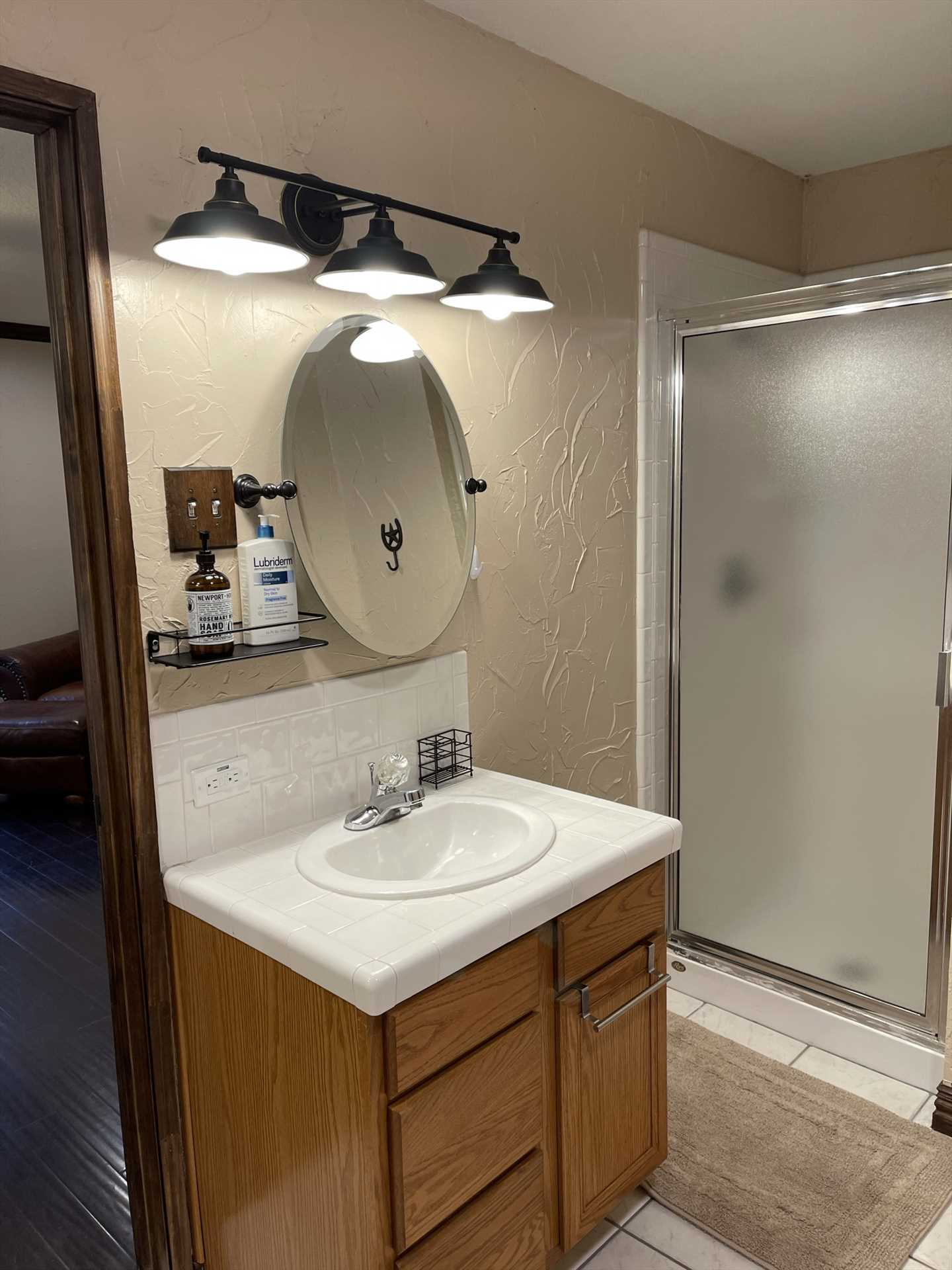 The three full bathrooms at the retreat are also fully supplied with all the linens your crew will need.