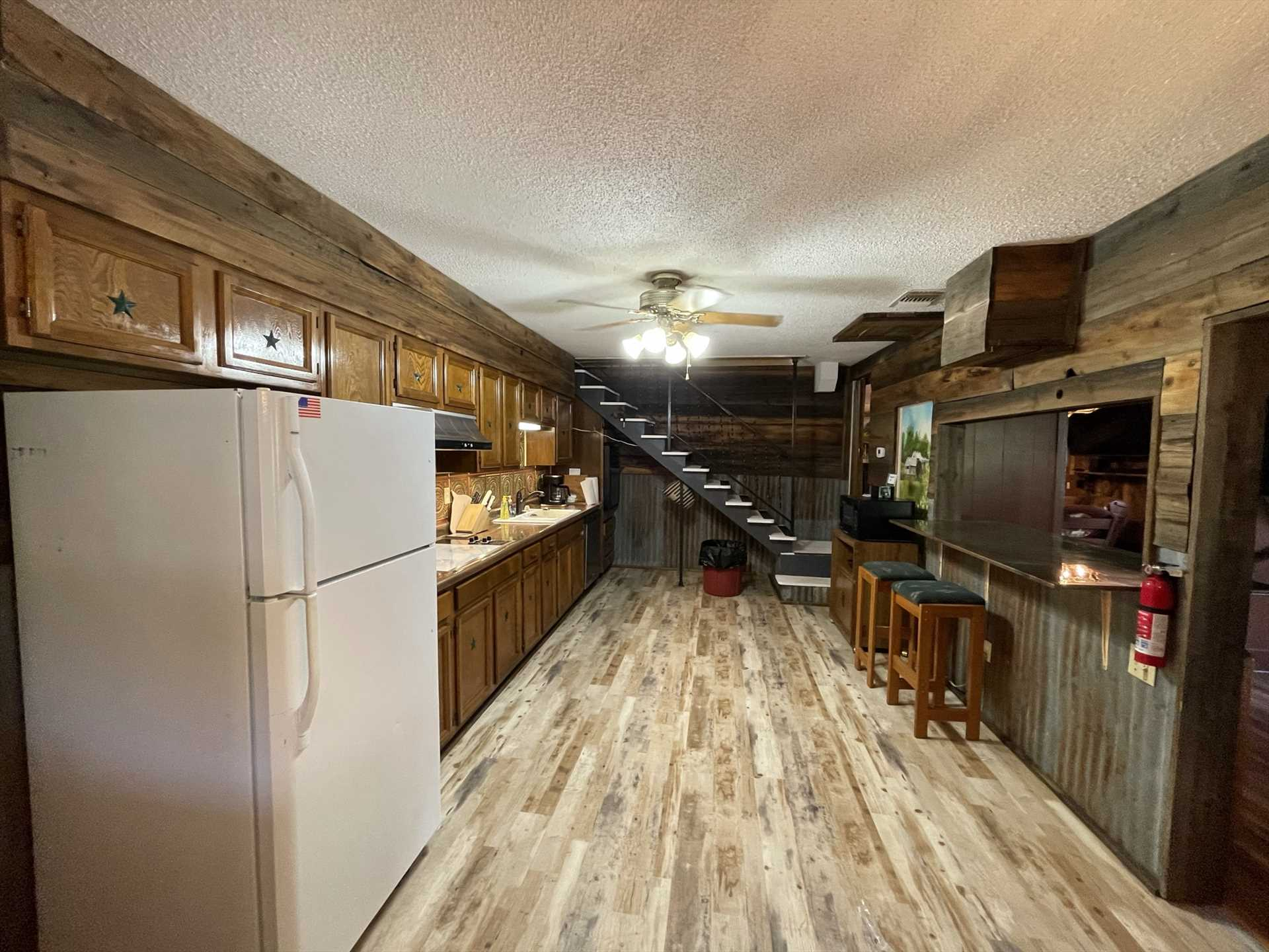 No matter how many chefs you have in your group, they'll have plenty of elbow room in this big kitchen!