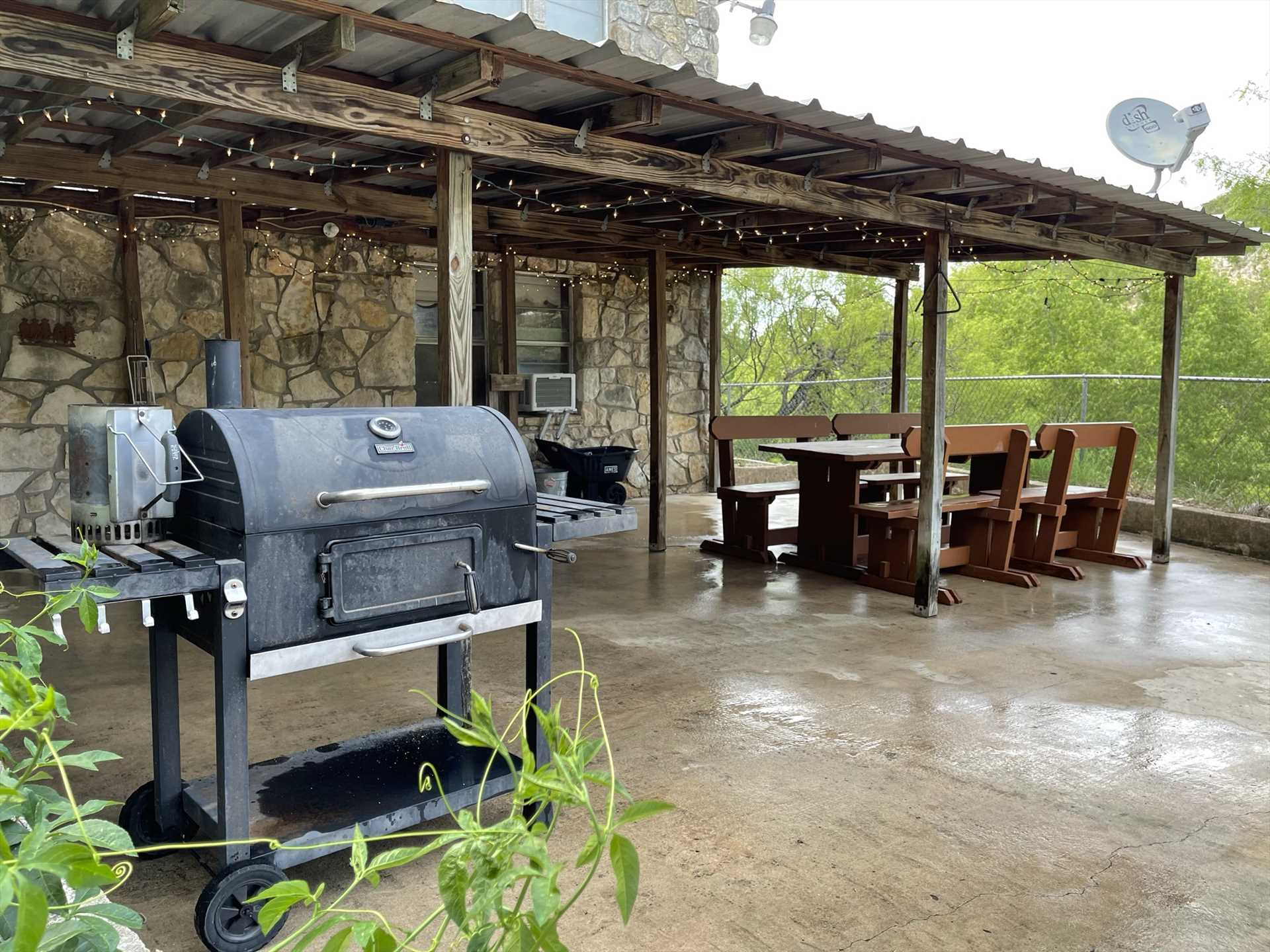 Enjoy a grilled feast under the sparkling outdoor lights, or turn them off and take in a natural star show!