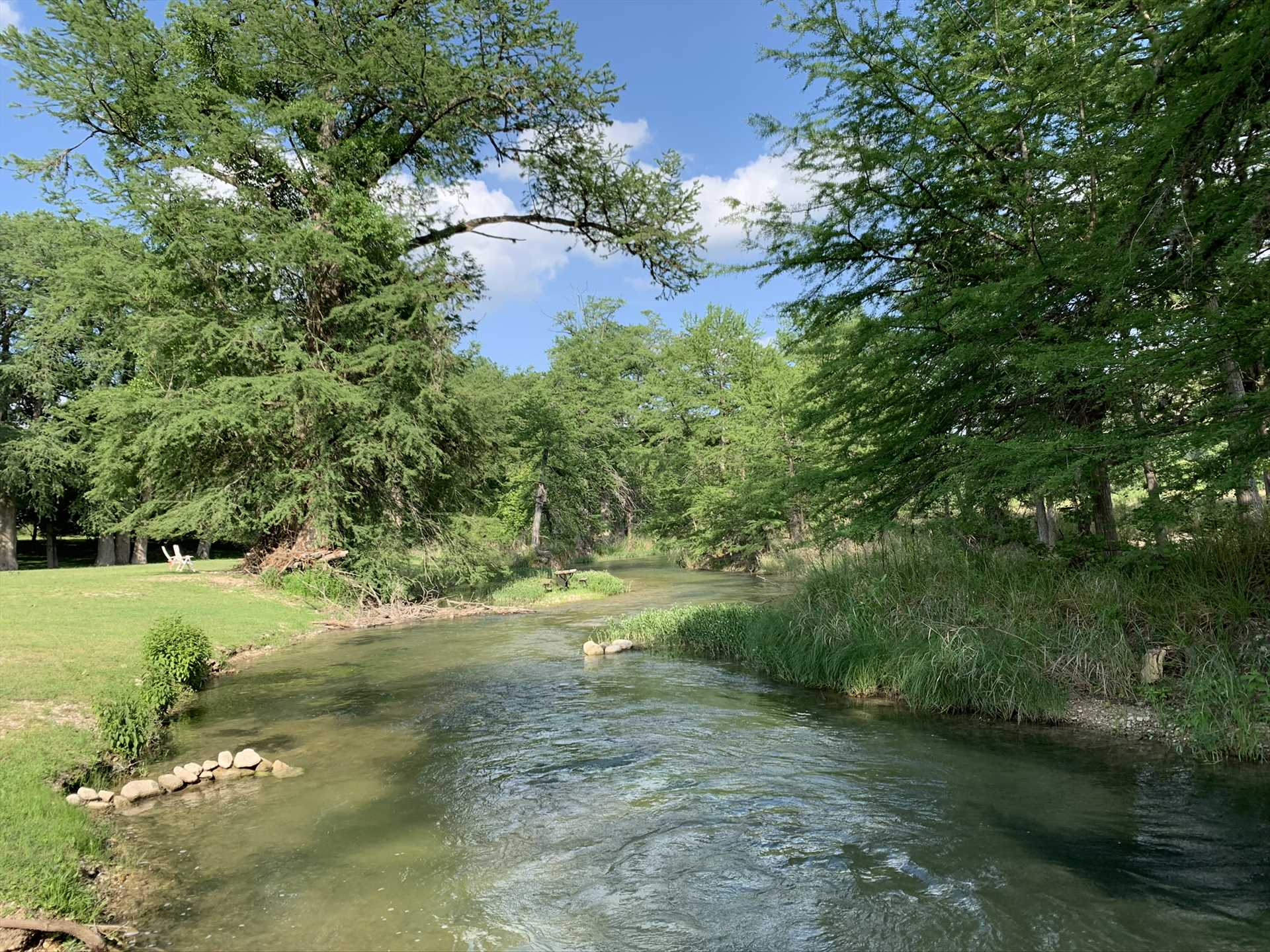 Tubing, swimming, and fishing are all available to you here, with access to the Guadalupe River close by!