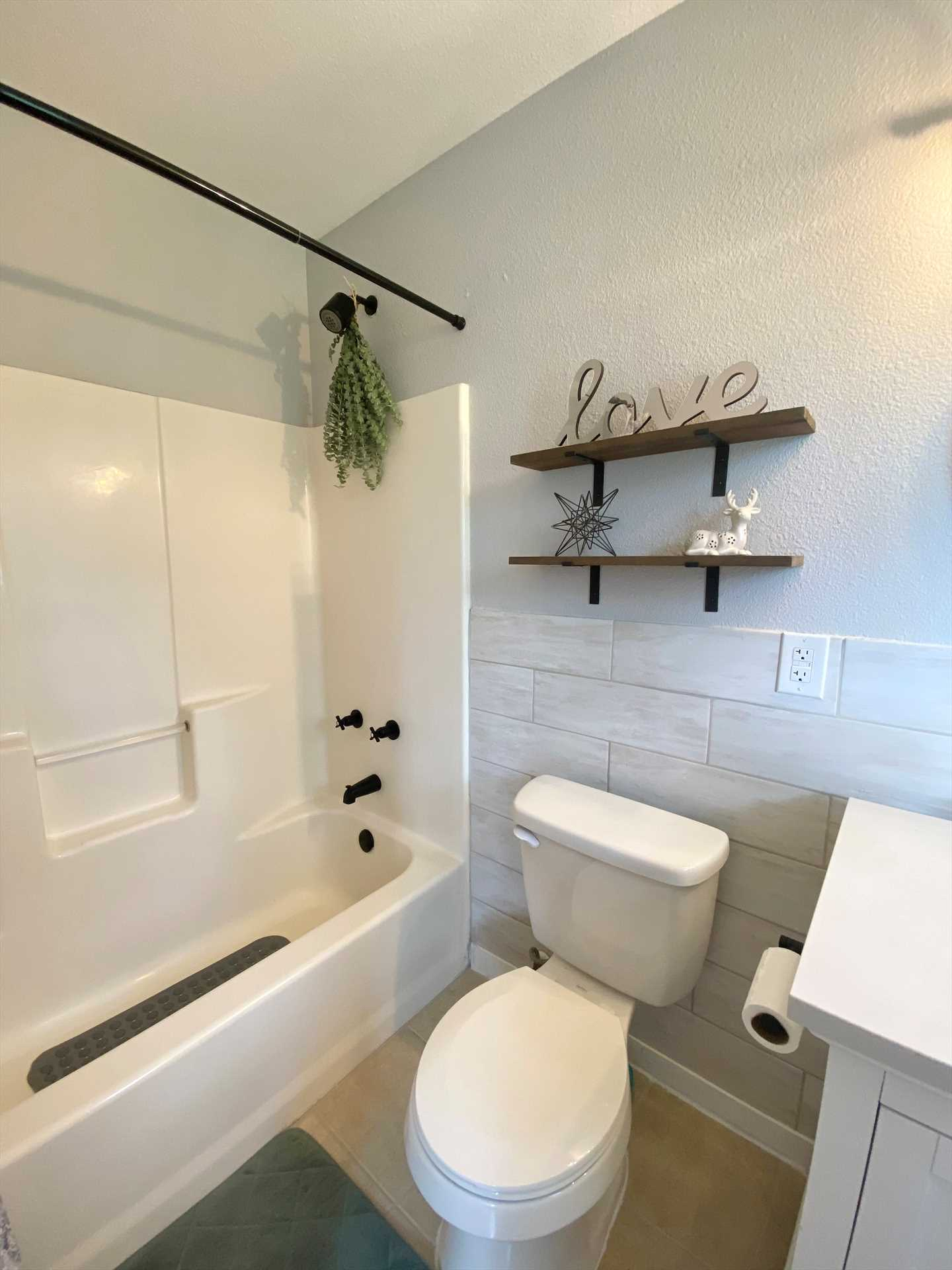 You'll have access to two tub and shower combos at the Lake Retreat, both stocked with fresh and clean linens.