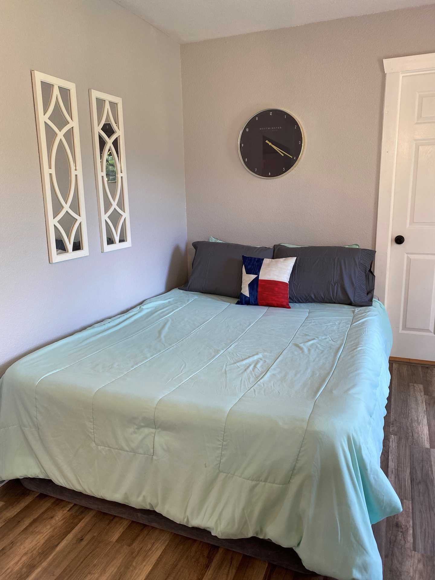 All the sleeping arrangements at the Hill Country Lake Retreat include soft and clean liens for a fantastic night's rest. That includes three beds, a roomy sleeper sofa, and an extra large air mattress.
