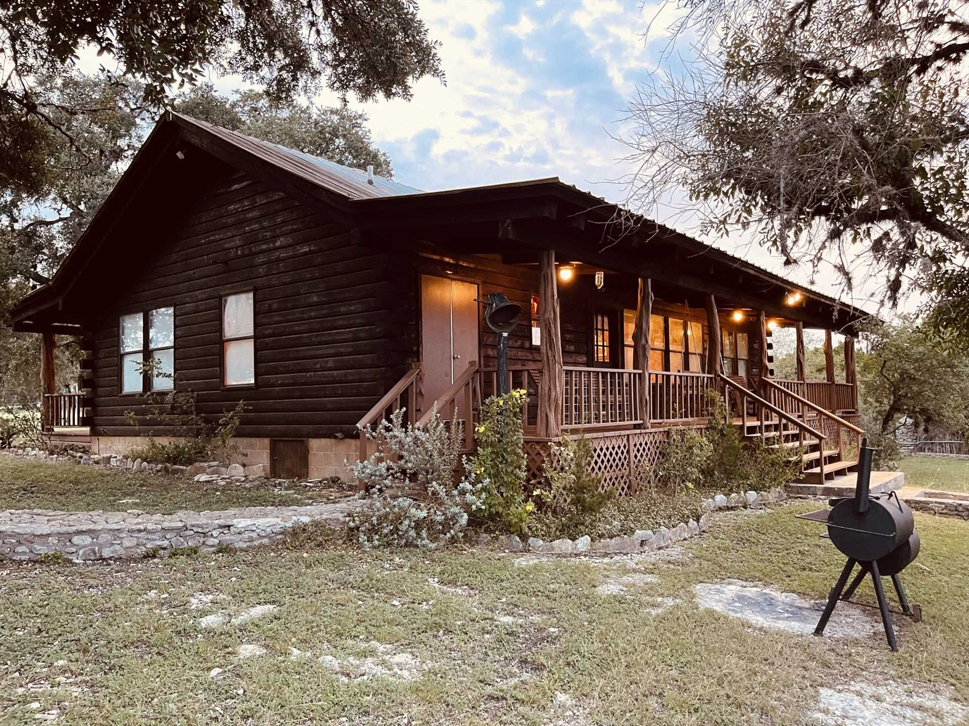 Welcome to the Lightning Bug Springs Lodge! This sweet Hill Country haven serves as a quiet country escape for up to six guests.